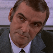 1928-1976-Stanley_Baker-A_Lizard_in_a_Woman's_Skin_cropped-Wikipedia