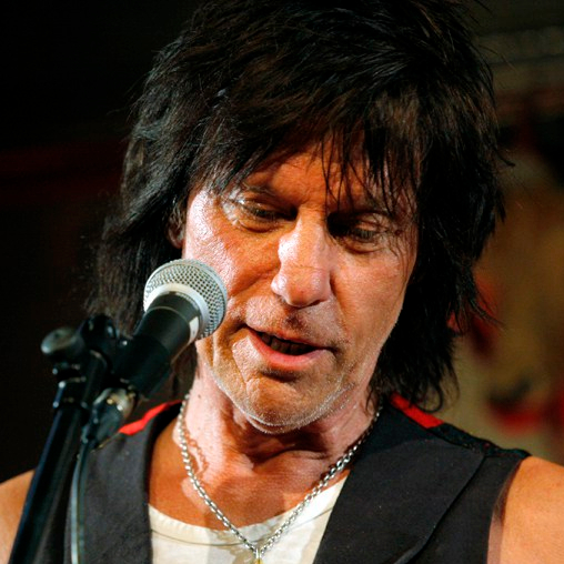 1944-Jeff_Beck_2009_MOJO_Awards-Wikipedia