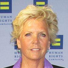 1947-Meredith_Baxter_2014_HRC_Gala_(cropped)-Wikipedia
