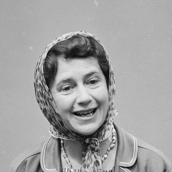 1991-Peggy_Ashcroft_1962c