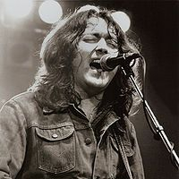 1995-Rory_Gallagher_1982
