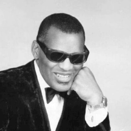 2004-Ray_Charles_classic_piano_pose