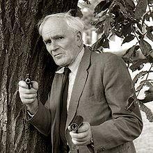 1914-1999-Desmond_Llewelyn_01-Wikipedia