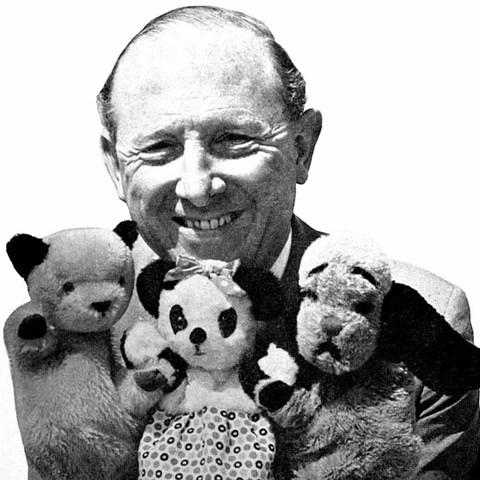 1918-1989-HarryCorbett,Sooty,Sweep,andSoo-Sooty_Wikia