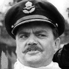 1927-2016-Bernard_Fox_Werner_Klemperer_Hogan's_Heroes_1968_(cropped)-Wikipedia