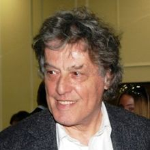 1937-Tom_Stoppard_1_(cropped)-Wikipedia