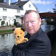 1948-Matthew_Corbett_at_his_House-Sooty_Wikia