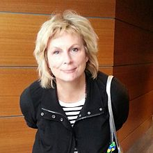 1958-Jennifer_Saunders_2014-Wikipedia