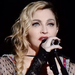 1958-Madonna_Rebel_Heart_Tour_2015_-_Stockholm_(23051472299)-Wikipedia