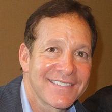 1958-Steve_Guttenberg_2013-Wikipedia