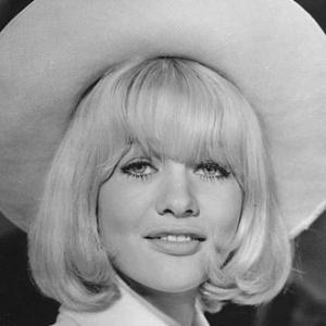 1948-Judy_Geeson_1968-Wikipedia